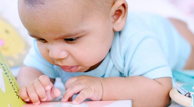 Slik leser du for barn som er 3 måneder