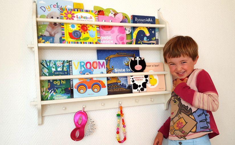 I tallerkenhylla eller vedkassen? Slik kan du også oppbevare barnebøker